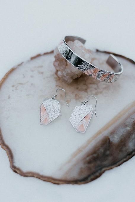 bijoux sur mesure mariage argent et plumes