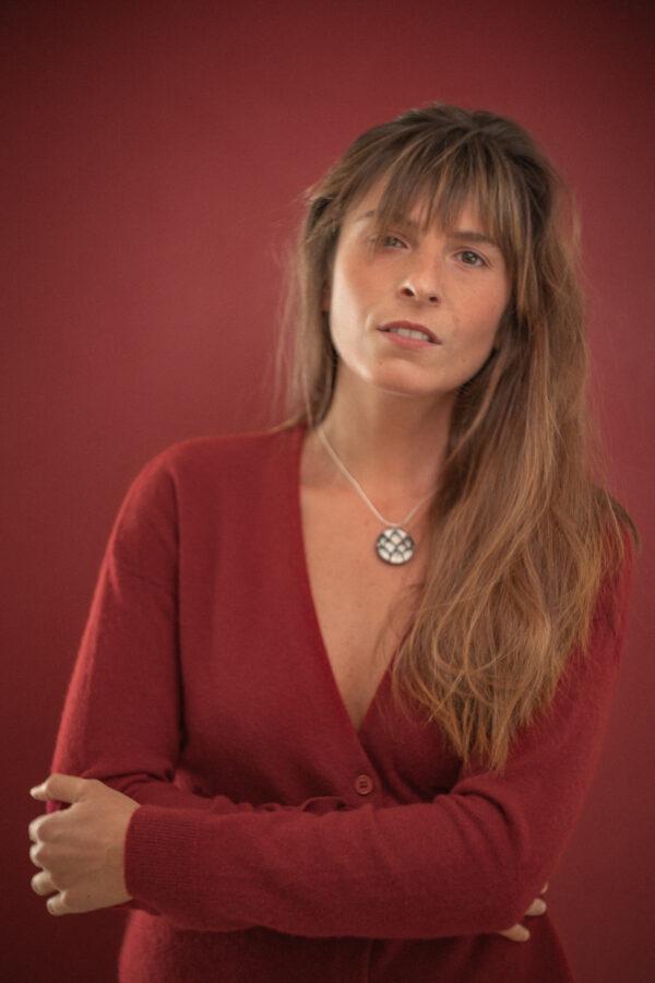 lookbook collection Lady Amherst bijoux en plumes de faisan noires et blanches
